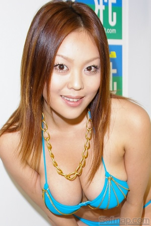 髪のアクセサリーが素敵な櫻本のんさん
