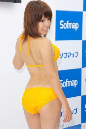 小田ひとみさんのビキニ